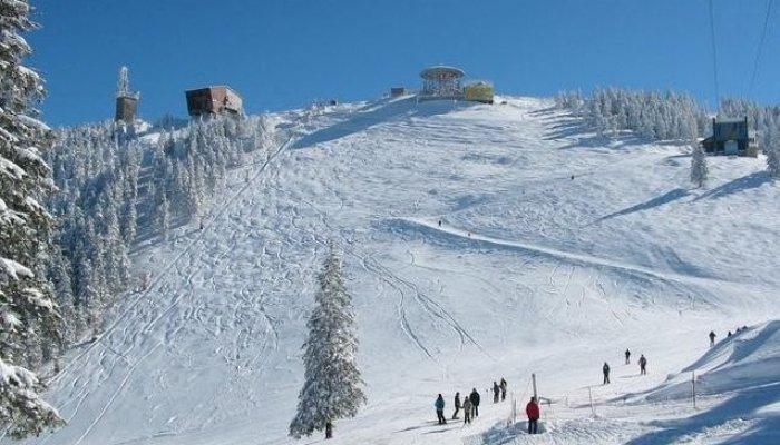 Pârtiile de schi de pe Valea Prahovei și Brașov:  Poiana Brașov, Predeal, Moieciu și Bran
