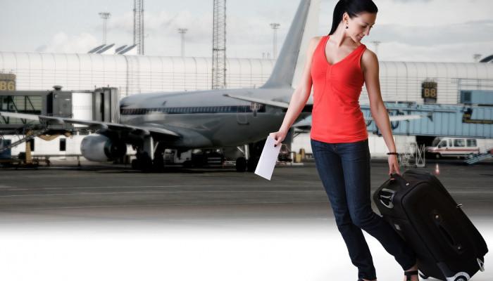 Cum poți economisi bani când zbori cu avionul