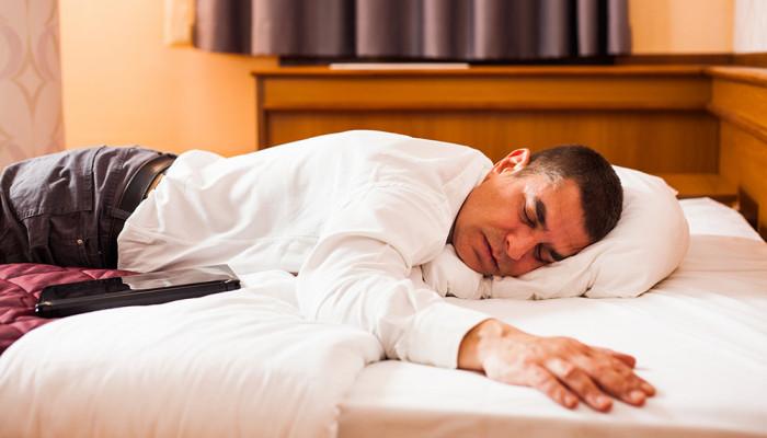 Sfaturi să dormi mai bine la un hotel
