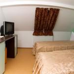 Hotel Krone Bistrita small