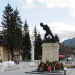 Monumentul Ultima Grenadă Bușteni